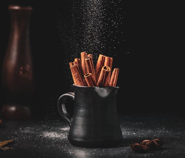 cinnamon sticks in pot