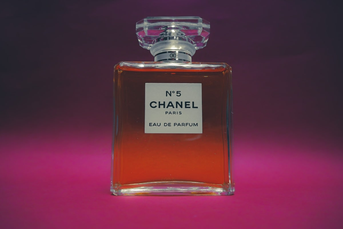 best perfumes for women - chanel no. 5 bottle