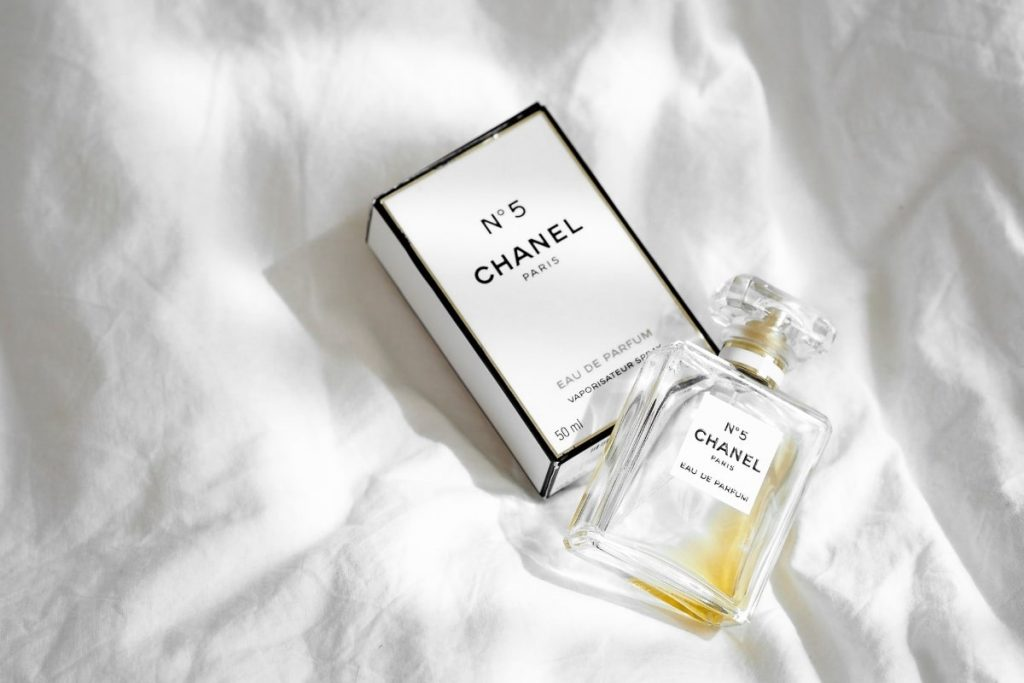 chanel no 5 bottle and box