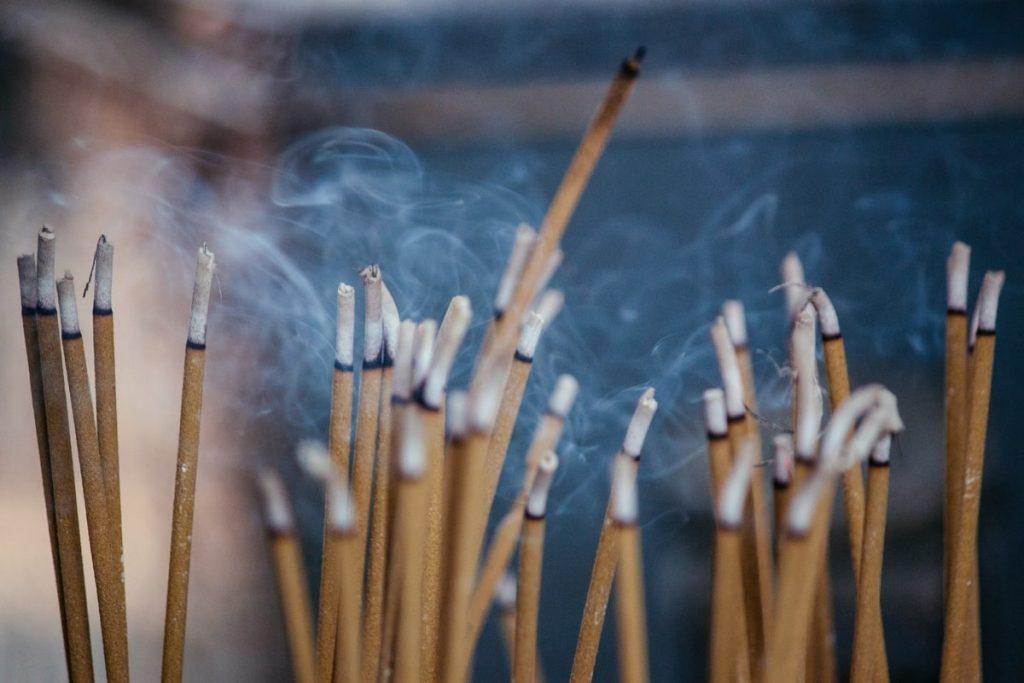 incesne sticks