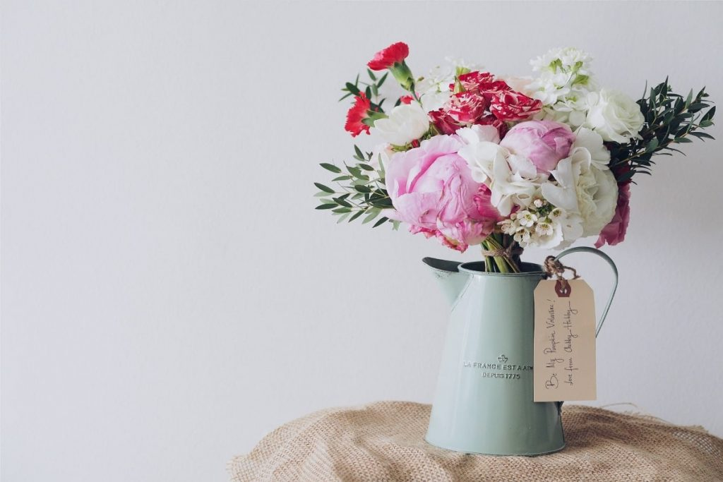 white and pink flowers - Fragrance Families