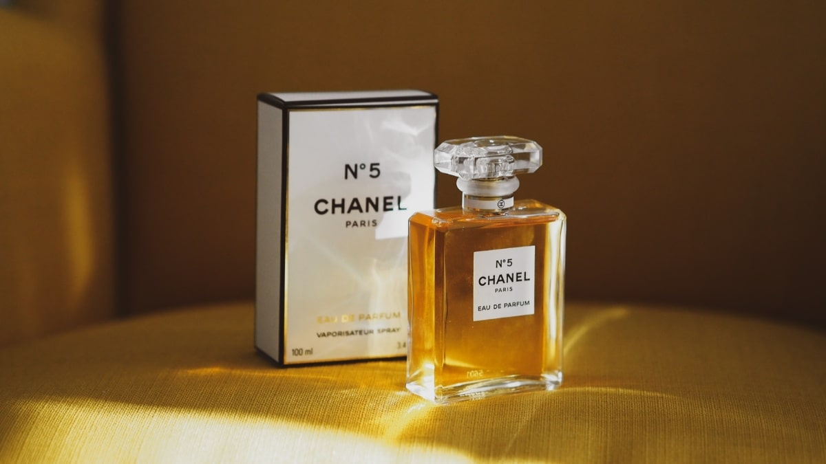 chanel no 5 - best classic women's perfumes